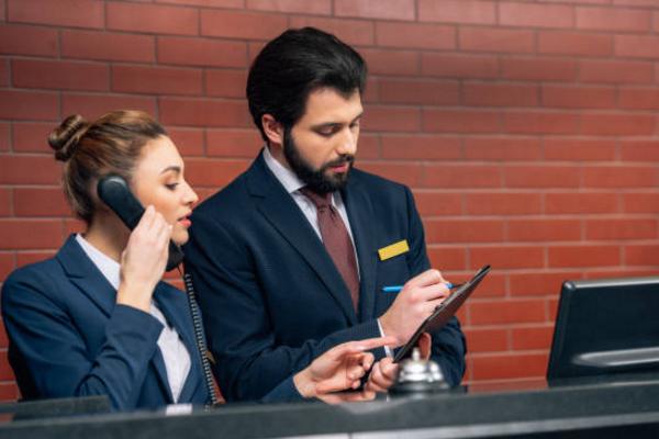 9 suy nghĩ sai lầm về nghề lễ tân khách sạn