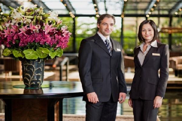 quản trị khách sạn có cần ngoại hình