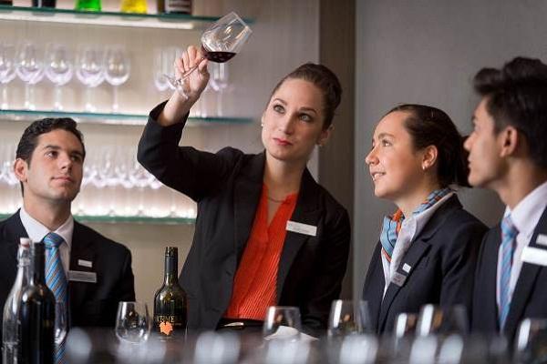 Làm thế nào để thăng tiến trong ngành Khách sạn – Nhà hàng?
