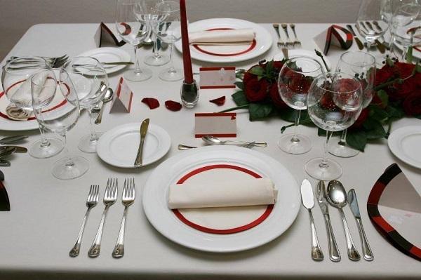 12 lưu ý khi phục vụ rượu vang nhân viên nhà hàng cần biết