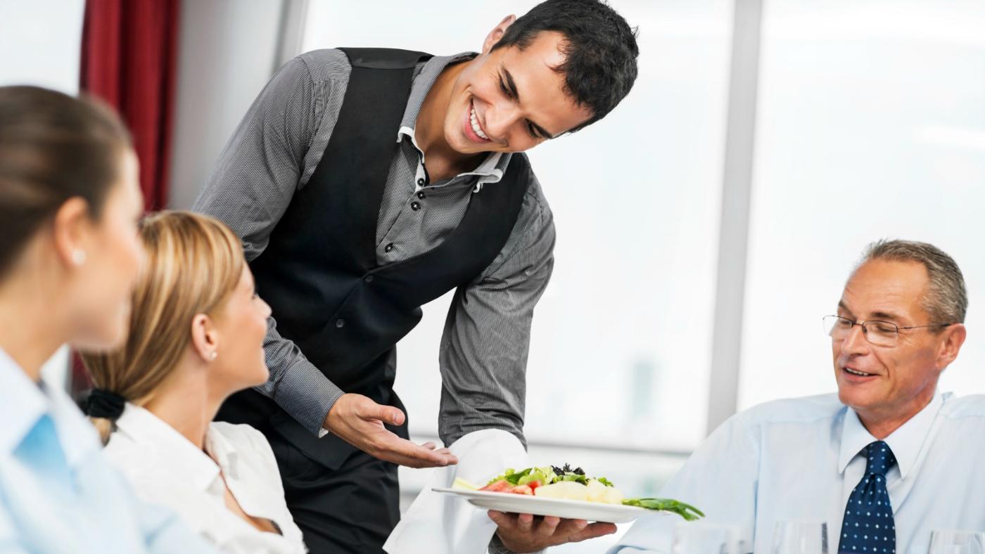 Kết quả hình ảnh cho phục vụ bàn