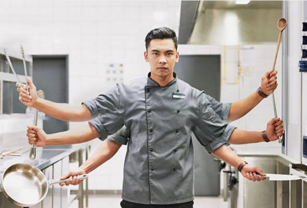 điểm danh bộ dụng cụ làm việc không thể thiếu của một đầu bếp chuyên nghiệp