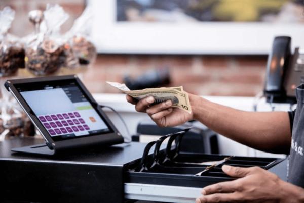 nghiệp vụ thu ngân nhà hàng: 8 tình huống thường gặp và hướng xử lý