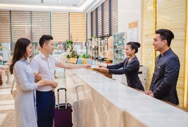 Image result for check in khách sạn